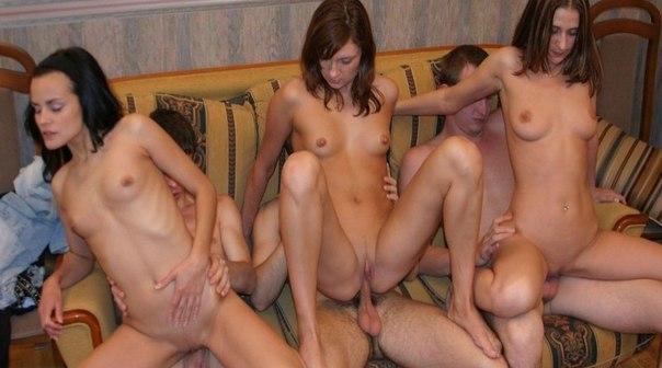 Групповуха и анальный секс с молодыми телочками